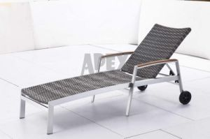 Poolside Sunbed Outdoor Furniture Wicker Sunlounger with Wheels pictures & photos