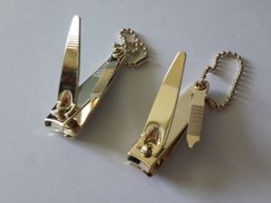 Deluxe Gold Plating Nail Clippers with Nail Filer and Ballchain pictures & photos