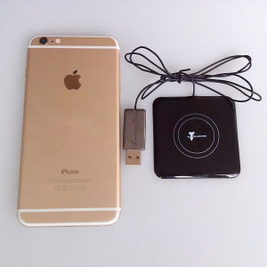 Universal Wireless Charger Emergency Charger for iPhone pictures & photos