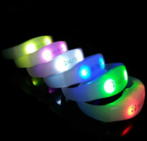 Fashion Promotion Gift Christmas Customized LED Bracelet Watch (DC-095) pictures & photos