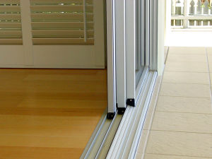 Professional Manufacturer for Aluminum Three-Track Sliding Window and Sliding Door pictures & photos