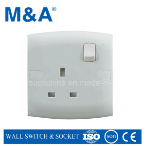 Me Series 1g 13A Switcheed Socket pictures & photos