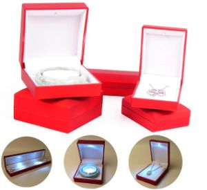 Hot Selling Jade Jewelry Boxes with LED Lights pictures & photos