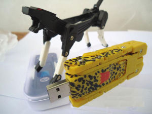 Creative USB Gifts Transform USB Flash Drive with Custom Logo pictures & photos