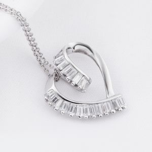 Fashion New Genuine 925 Sterling Silver Love Heart Pendant Necklace for Woman Girls Party Gift pictures & photos