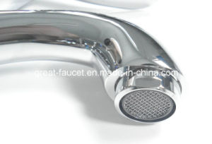 China Manufacturer of Top Quality Bathroom Basin Faucet (GL9001A90) pictures & photos