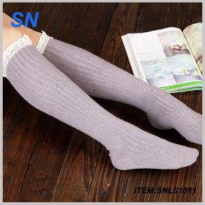 Wholesale 2015 Custom Knitted Womens Boot Socks pictures & photos