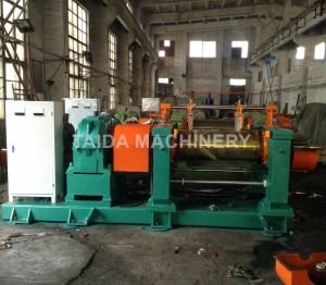 Hoisting Machine Bucket Elevator for Kneader & Rubber Mixing Mill pictures & photos