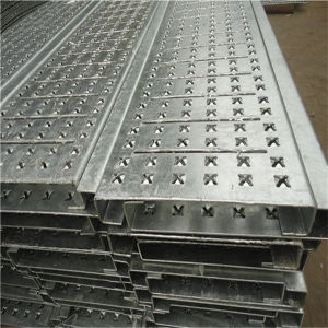 High Quality Antiskid Perforated Metal Plate pictures & photos