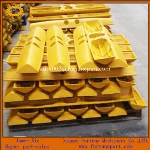 Caterpillar Excavator Bulldozer D5n Undercarriage Parts Swamp Track Shoe Pad pictures & photos