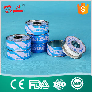 Hypoallergenic Surgical Snowflake Zinc Oxide Adhesive Plaster in Metal Tin pictures & photos