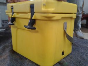 Portable Rotomolded PE Plastic Fish Ice Cooler Box for Fishing pictures & photos