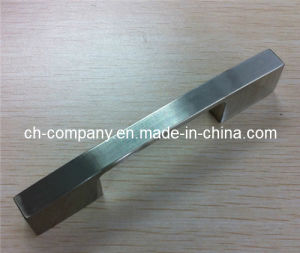 Furniture Handle/Zinc Alloy Handle (120102-21) pictures & photos