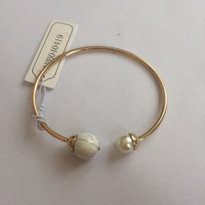Open Metal Gold Plated Bracelet with Pearl Jewelry Fashion pictures & photos