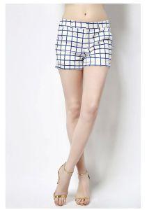 2016 Fashion Design Women Mini Shorts pictures & photos