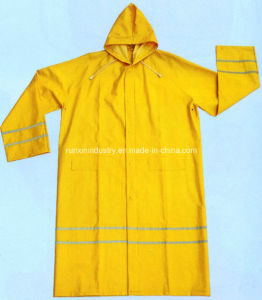 0.32mm Long PVC Raincoat with Reflective Tapes R9096 pictures & photos