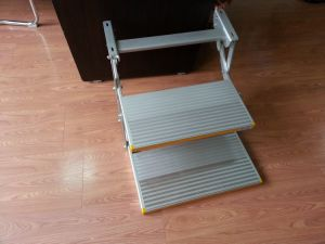 Manual Folding Step with 2 Steps Manual Foot Step for Motorhome (ES-F-D-600-M) pictures & photos