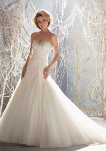 2015 Crystal Beading A-Line Style Bridal Wedding Dresses (WMA3056) pictures & photos