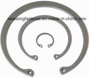 Circlip / Retaining Ring / Internal Circlip (DIN472) pictures & photos