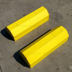 "18"" 24"" 36"" Bright Yellow Orange Triangle PU Truck or Aircraft Wheel Chocks pictures & photos"