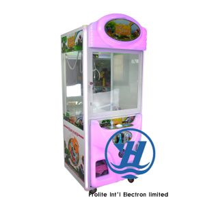 2017 New Crane Claw Vending Game Machine (ZJ-CG01) pictures & photos