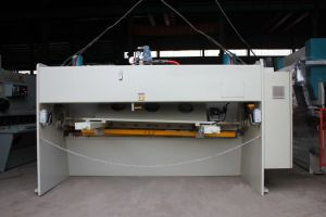 Guillotine Shearing Machine for Decoration Design with Multi Use pictures & photos