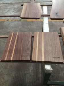 American Walnut Solid Chopping Board pictures & photos