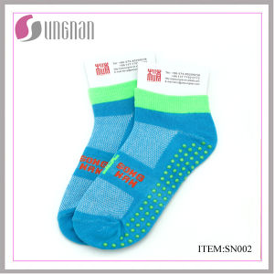 Yiwu Wholesale Socks Yoga Socks Trampoline Socks pictures & photos