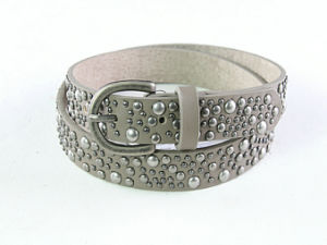 Fashion Red Rivet Lady′s Genuine Leather Belt pictures & photos
