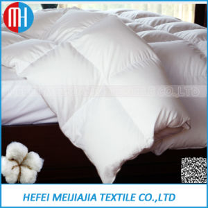 Hotel Quilt/Duvet/Comforter with Microfiber Polyester Filling pictures & photos