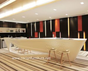 New Design for Project Solid Surface Material Built Hotel Pub Front Desk pictures & photos