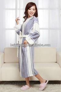 Women Long Sleeve Comfortable Cotton Bathrobes pictures & photos