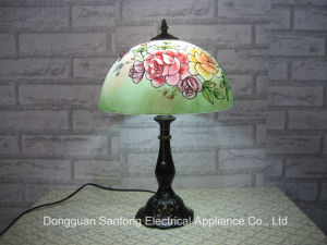 Painting Tiffany Table Lamps with Glass Shades pictures & photos