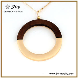 Wholesale Alloy Round Gold Plating Wood Fitting Long Chain Fashion Jewelry Pendant pictures & photos