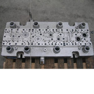 Stamping Blanking Bending Drawing Forming Die (Model: RY-SD005) pictures & photos