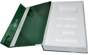 Glossy Paper Hot Selling Professional Gift Box for Cosmetic (YY--B0302) pictures & photos