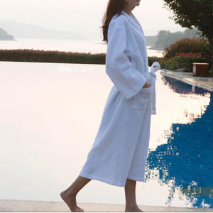 Hotel Waffle Bathrobe with High Quality Cotton (DPF10128) pictures & photos