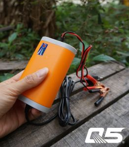 12.6V8A Automatic Trickle LiFePO4 Li-ion Polymer Lithium Battery Charger pictures & photos
