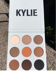 Kylie Jenner Kyshadow Pressed Powder 9 Color Makeup Eyeshadow pictures & photos