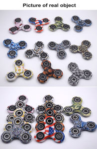 2017 Hot Fidget Toy Hand Spinner Plastic Camouflage Spinner pictures & photos