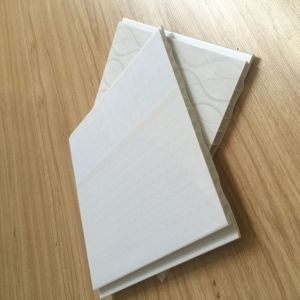 2016 Good Quality Clean PVC Ceiling Tiles Bathroom Kitchen Decoration (RN-86) pictures & photos