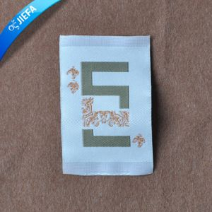 Wholesale Woven Label for Clothing Label pictures & photos