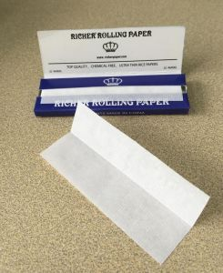Premium Richer Brand Cigarette Rolling Papers (single, 1-1 4, kingslim size) pictures & photos
