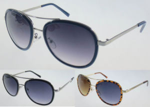 Newly Arrived Italy Designed Polarised Metal Brige Plastic Sunglass (SM474001) pictures & photos