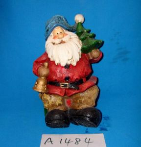 Resin Santa with Holiday Tree for Christmas Decoration pictures & photos