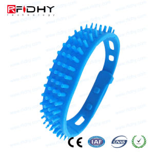 Stable and Long Reading Distance UHF RFID Wristband pictures & photos