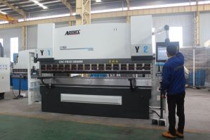 Accurl 6 Axis Hydraulic CNC Press Brake MB8-100tx3200 with Delem Da66t CNC Crowning System pictures & photos