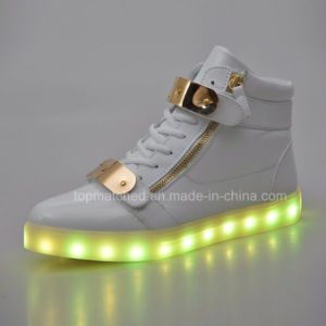 Adults LED Shoes/LED Flashing Shoes/LED Shoes Sneakers pictures & photos