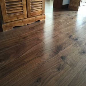 Prefinished Solid Walnut Hardwood Flooring pictures & photos