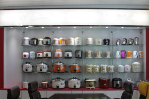 Hot Sale Rice Cooker with Glass Window Plastic Handle pictures & photos